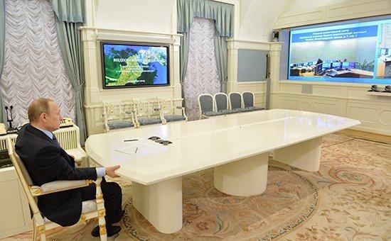 С.П.Обухов: Министр Новак открывает новогоднее «окно Овертона» для Крыма? Что стоит за опросом: «электроэнергия или назад на Украину»
