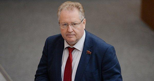 Г.А. Зюганов поздравил с 60-летием С.П. Обухова