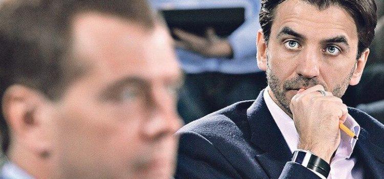 Сергей Обухов — «Свободной прессе»: Пойдет ли Медведев на дно вслед за «Открытым правительством» Абызова