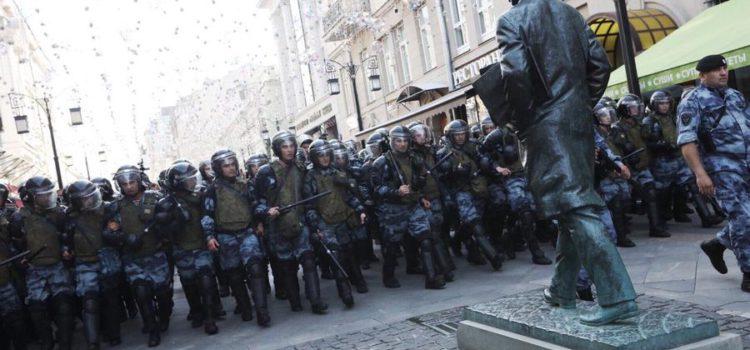 Сергей Обухов про московский протест и спецоперации «За Любовь», «Пчелиный рой» и «Снос системы»