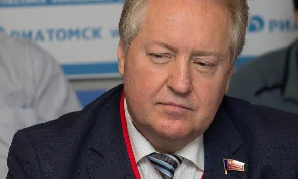 Сергей Обухов про встречу Зюганова с Путиным, статью Чемезова и перспективы Левченко
