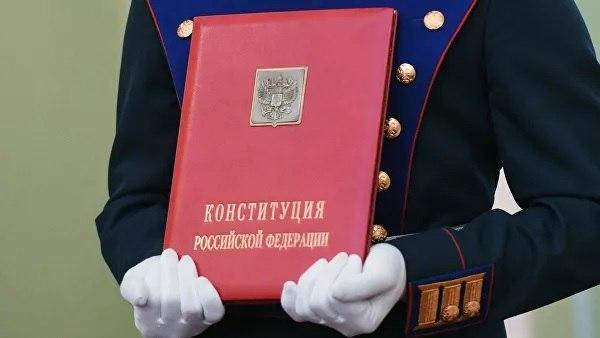 Сергей Обухов про странные кульбиты в верхах по президентской «конституционной загогулине»