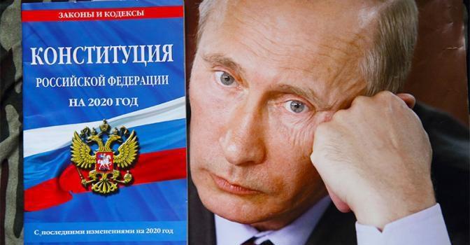 Сергей Обухов — «Свободной прессе»: Кремль застеснялся пожизненного Путина