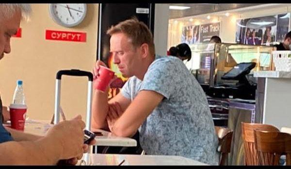 Доктор политических наук Сергей Обухов про отравление Навального, заявку на хаотизацию в России и белорусскую точку бифуркации
