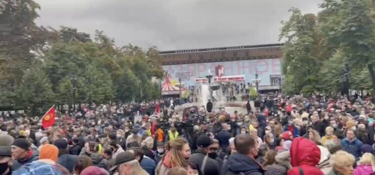 Сергей Обухов на встрече с москвичами о задержаниях активистов КПРФ: Отпускай!
